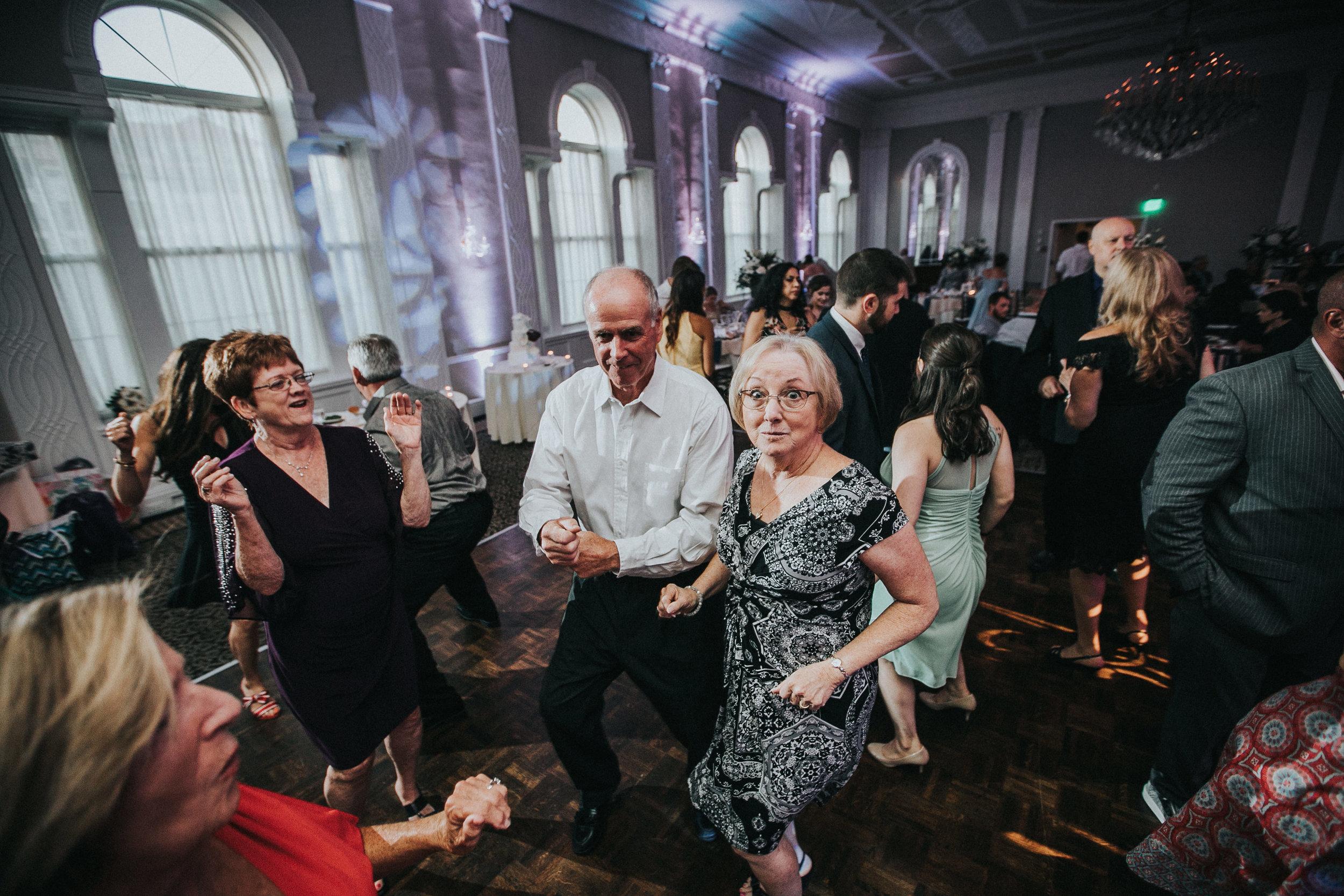 JennaLynnPhotography-NJWeddingPhotographer-Wedding-TheBerkeley-AsburyPark-Allison&Michael-Reception-112.jpg