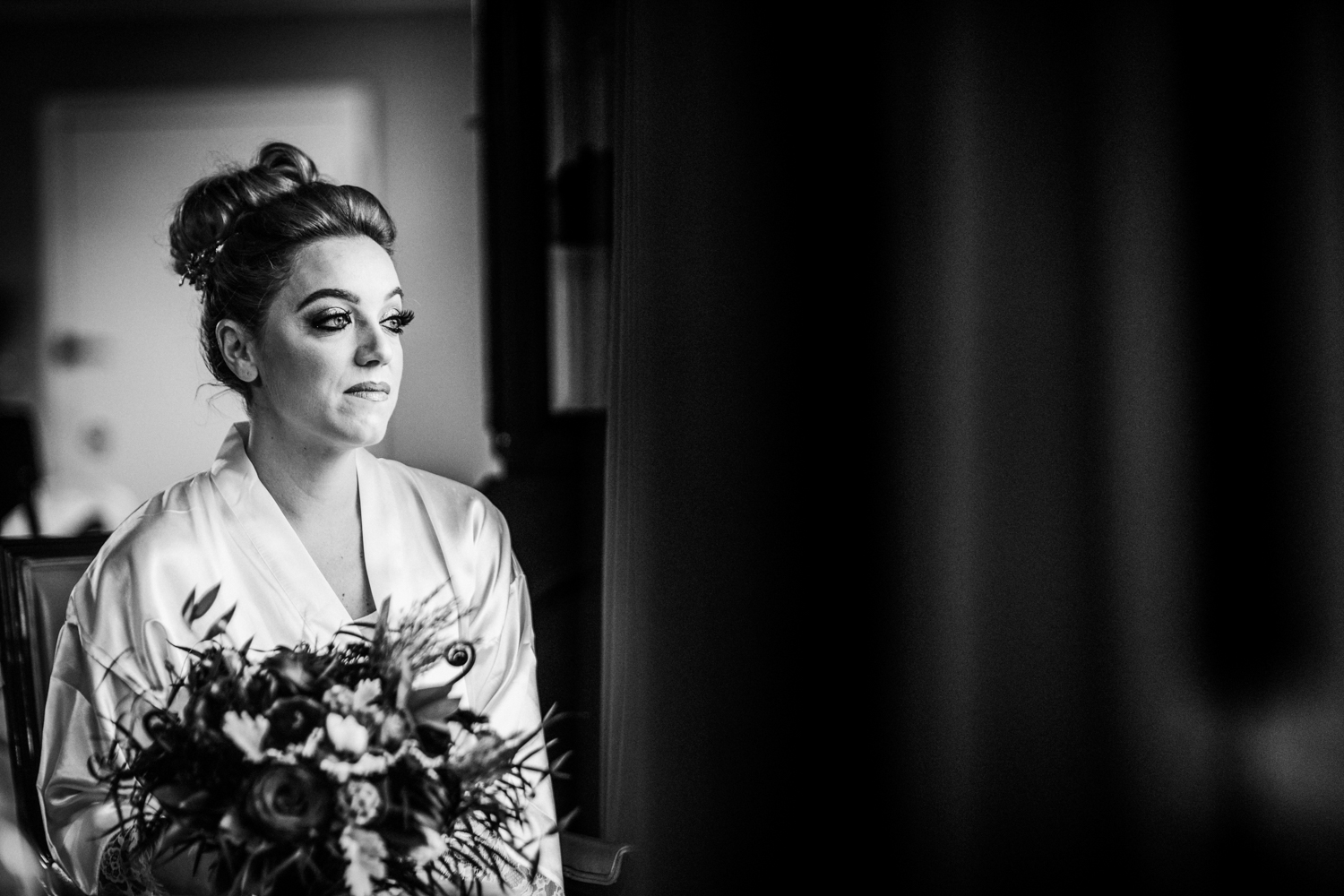 Seaview-Country-Club-Wedding-Jenna-Lynn-Photography-Sam&Kyle-GettingReadyBW-27.jpg