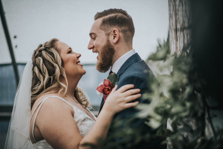 Cecil-Creek-Farm-Wedding-Jenna-Lynn-Photography-LauraJoe-BrideGrom-11.jpg