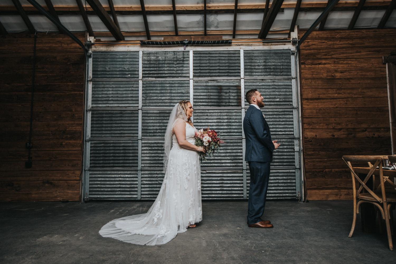Cecil-Creek-Farm-Wedding-Jenna-Lynn-Photography-LauraJoe-FirstLook-11.jpg