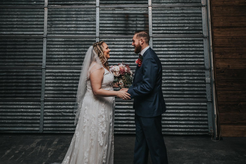 Cecil-Creek-Farm-Wedding-Jenna-Lynn-Photography-LauraJoe-FirstLook-12.jpg