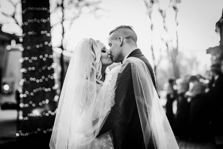 Marian-House-NJ-Wedding-JennaLynnPhotography-AliPaul-BrideGromBW-7.jpg