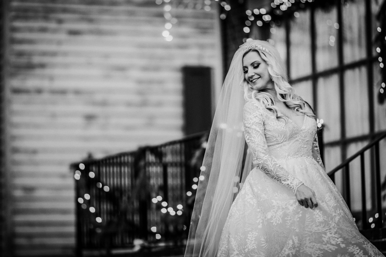 Marian-House-NJ-Wedding-JennaLynnPhotography-AliPaul-BrideGromBW-23.jpg