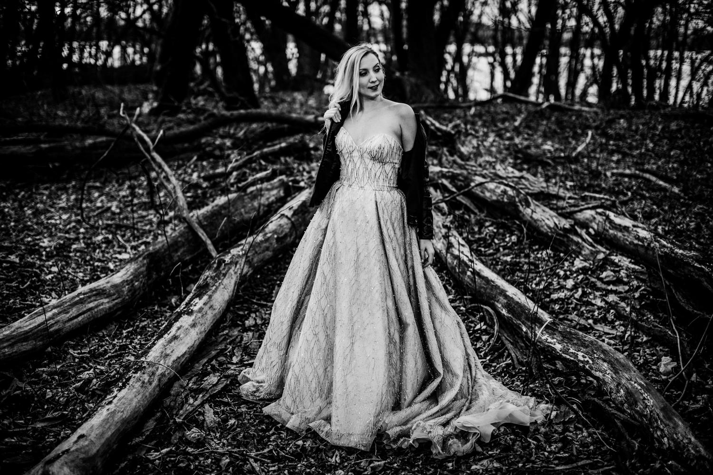 Marian-House-NJ-Wedding-JennaLynnPhotography-AliPaul-TheDressBW-64.jpg