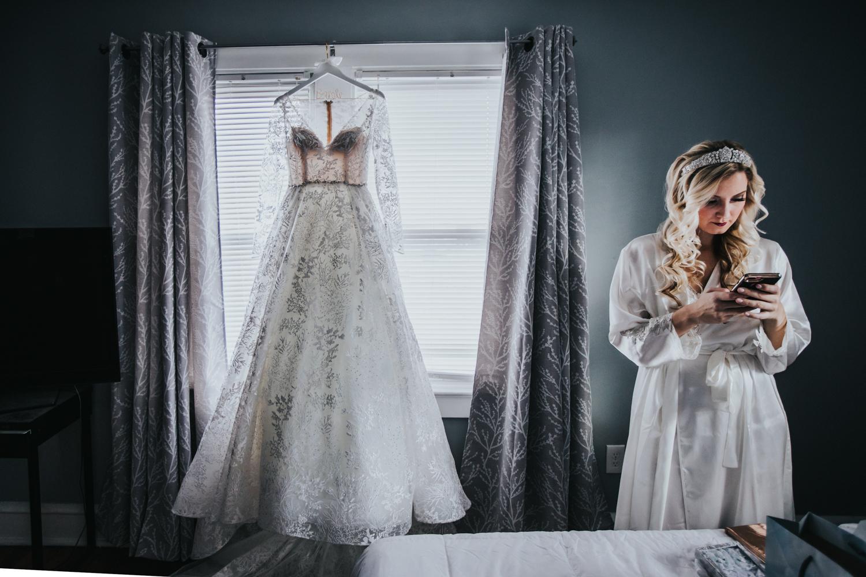 Marian-House-NJ-Wedding-JennaLynnPhotography-AliPaul-GettingReady-3.jpg