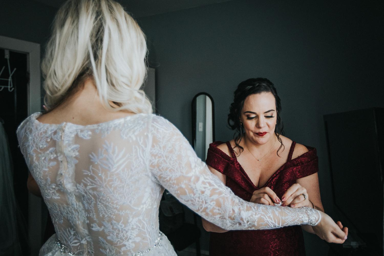 Marian-House-NJ-Wedding-JennaLynnPhotography-AliPaul-GettingReady-74.jpg
