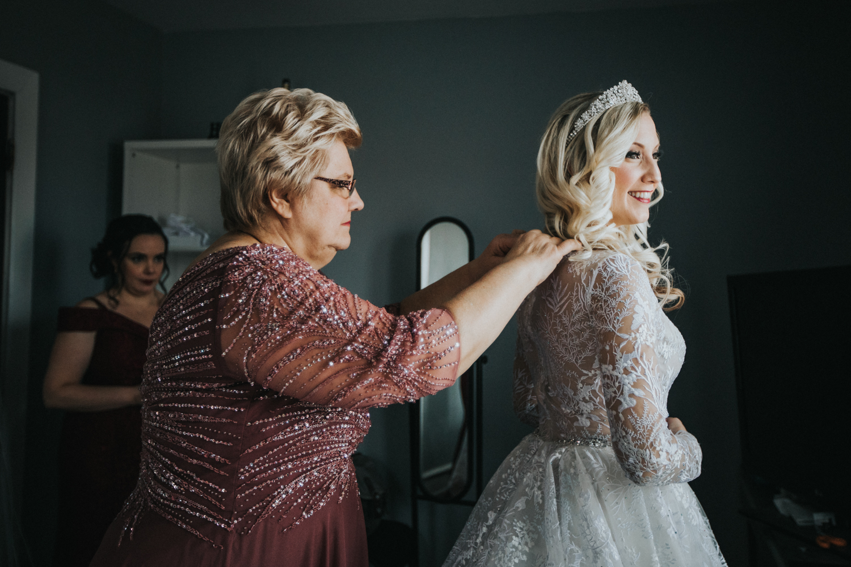 Marian-House-NJ-Wedding-JennaLynnPhotography-AliPaul-GettingReady-77.jpg
