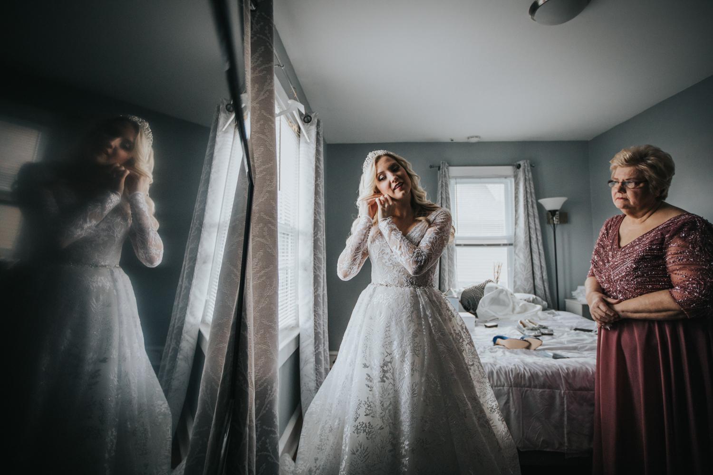 Marian-House-NJ-Wedding-JennaLynnPhotography-AliPaul-GettingReady-79.jpg
