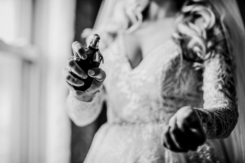 Marian-House-NJ-Wedding-JennaLynnPhotography-AliPaul-GettingReadyBW-104.jpg