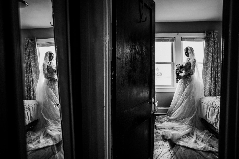 Marian-House-NJ-Wedding-JennaLynnPhotography-AliPaul-GettingReadyBW-97.jpg