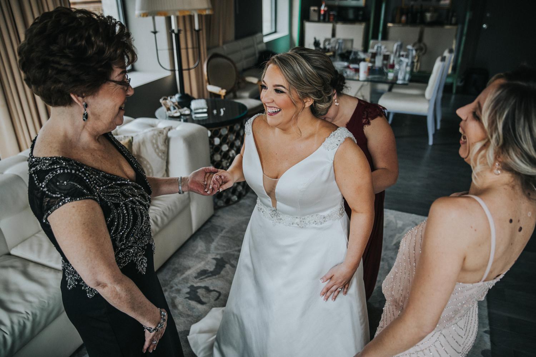 New-Jersey-Wedding-Photographer-JennaLynnPhotography-Wedding-Cescaphe-Ballroom-Philadelphia-Wedding-Blog-36.jpg