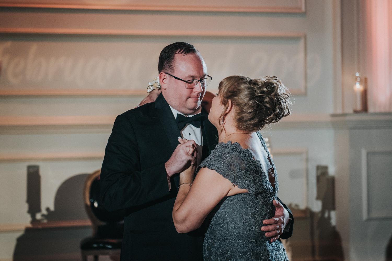 New-Jersey-Wedding-Photographer-JennaLynnPhotography-Wedding-Cescaphe-Ballroom-Philadelphia-Wedding-Blog-185.jpg