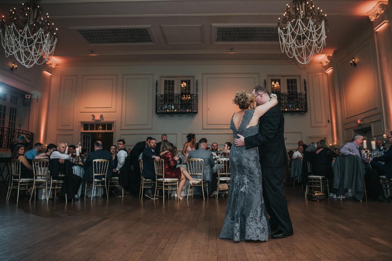 New-Jersey-Wedding-Photographer-JennaLynnPhotography-Wedding-Cescaphe-Ballroom-Philadelphia-Wedding-Blog-209.jpg