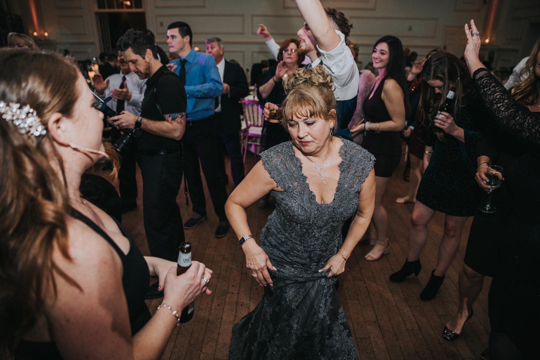 New-Jersey-Wedding-Photographer-JennaLynnPhotography-Wedding-Cescaphe-Ballroom-Philadelphia-Wedding-Blog-228.jpg