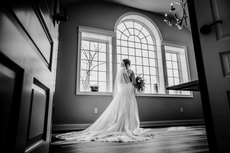 New-Jersey-Wedding-Photographer-Jenna-Lynn-Photography-Grove-at-Centerton-Wedding-CaitBob-BrideGroomBW-6.jpg