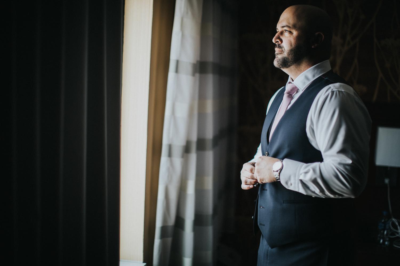 New-Jersey-Wedding-Photographer-Jenna-Lynn-Photography-Grove-at-Centerton-Wedding-CaitBob-GettingReady-5.jpg