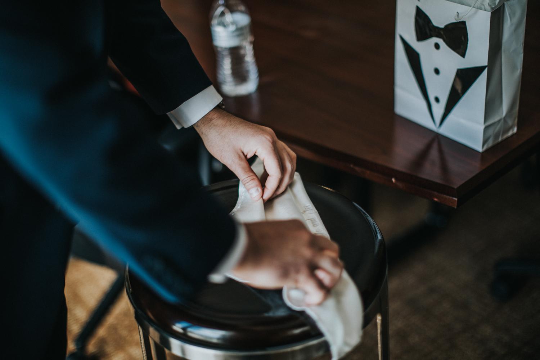New-Jersey-Wedding-Photographer-Jenna-Lynn-Photography-Grove-at-Centerton-Wedding-CaitBob-GettingReady-12.jpg