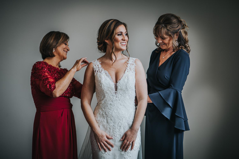 New-Jersey-Wedding-Photographer-Jenna-Lynn-Photography-Grove-at-Centerton-Wedding-CaitBob-GettingReady-52.jpg
