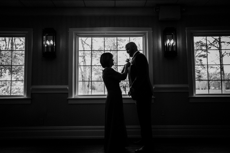New-Jersey-Wedding-Photographer-Jenna-Lynn-Photography-Grove-at-Centerton-Wedding-CaitBob-GettingReadyBW-66.jpg