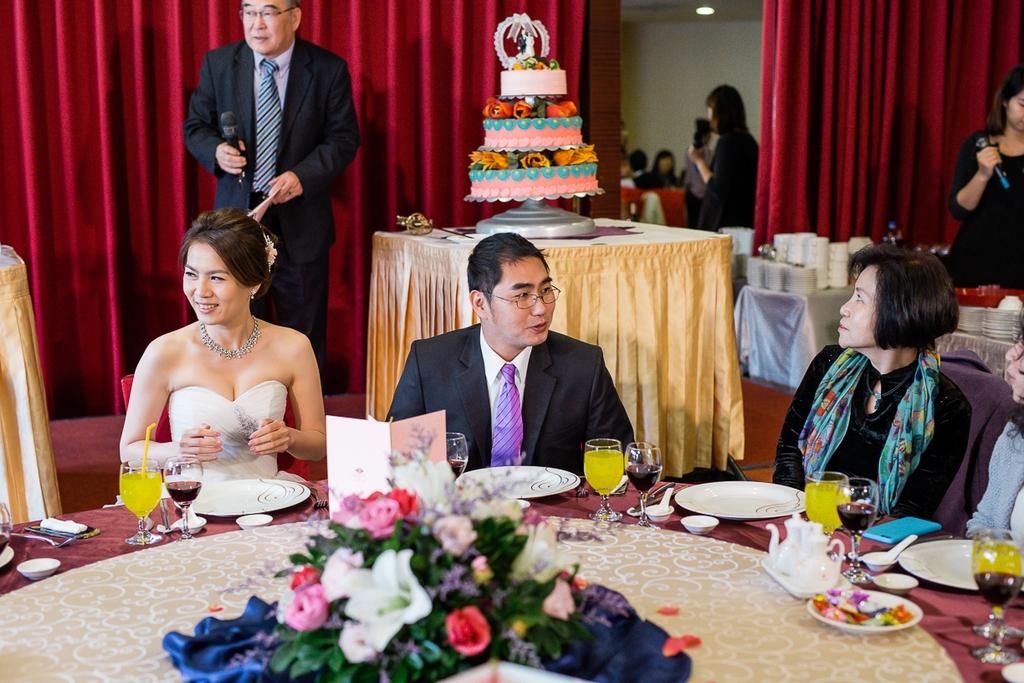 婚禮紀錄-推薦婚攝-默默推薦-高雄婚攝142.jpg