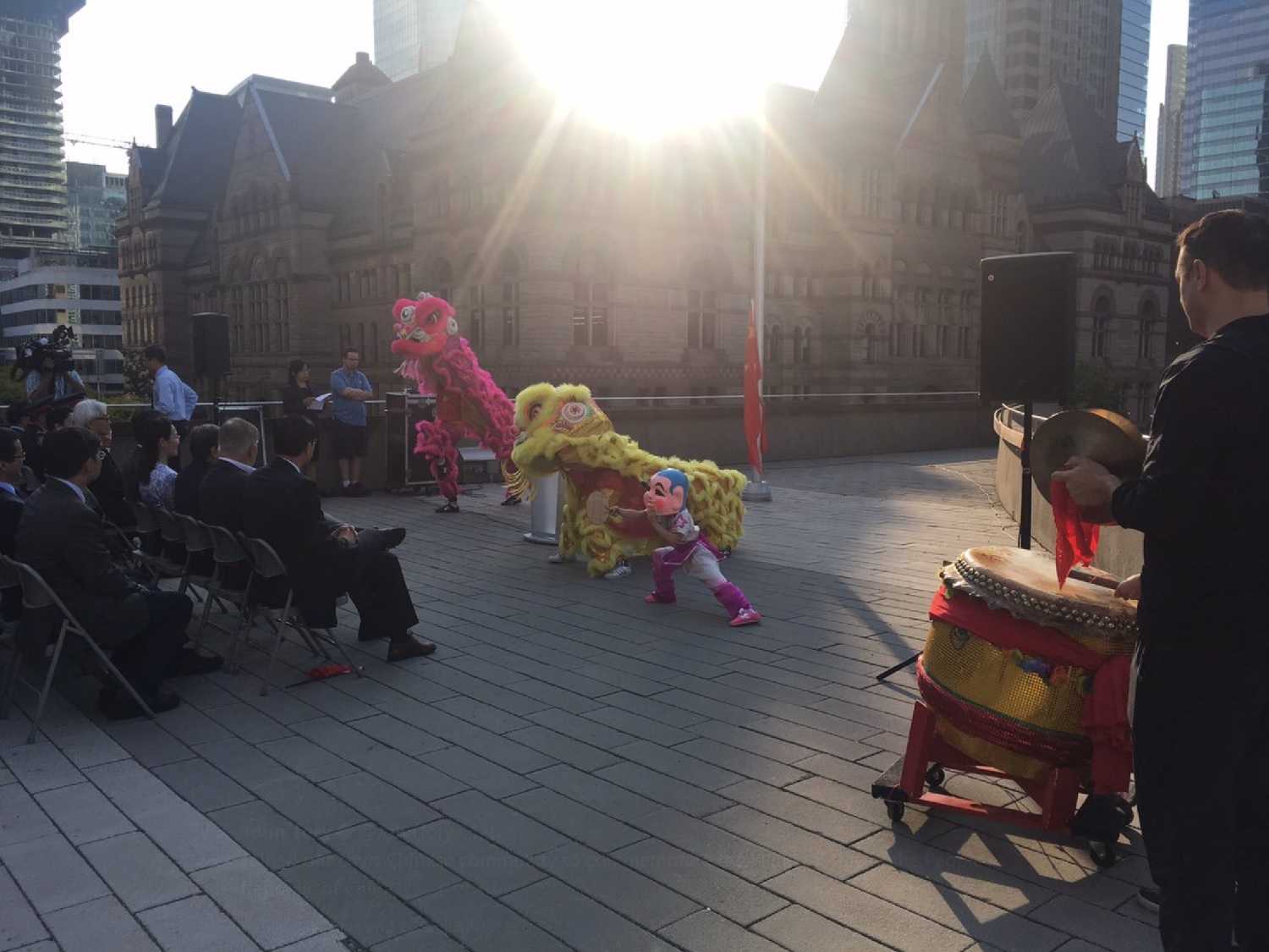 wayland-li-wushu-lion-dance-toronto-city-hall-china-national-day-2017-15.jpg