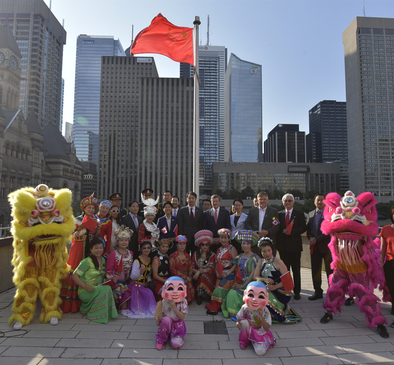 wayland-li-wushu-lion-dance-toronto-city-hall-china-national-day-2017-16.jpg