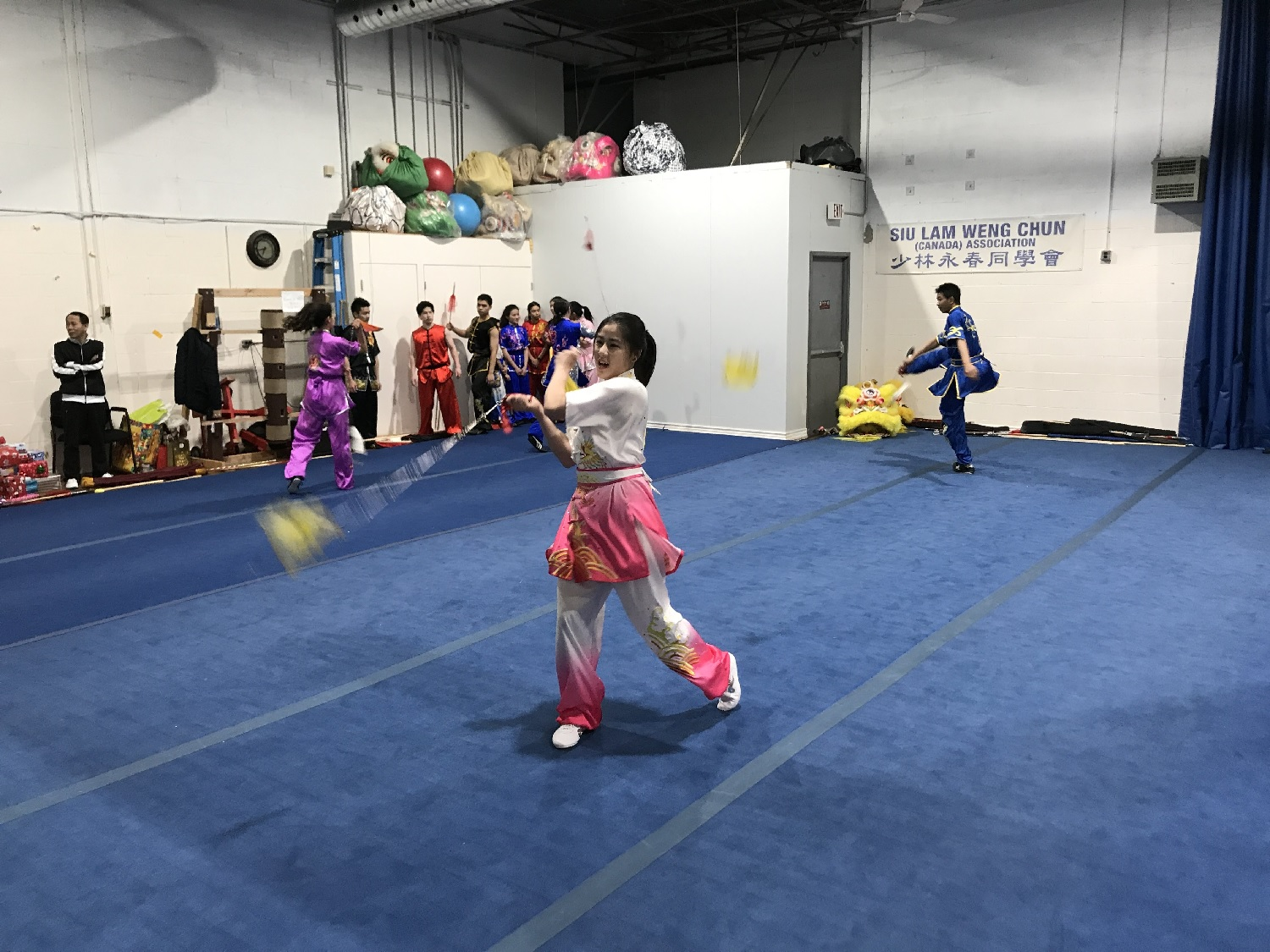 wayland-li-wushu-canada-ontario-toronto-classes-taolu-holiday-party-2017-07.jpg