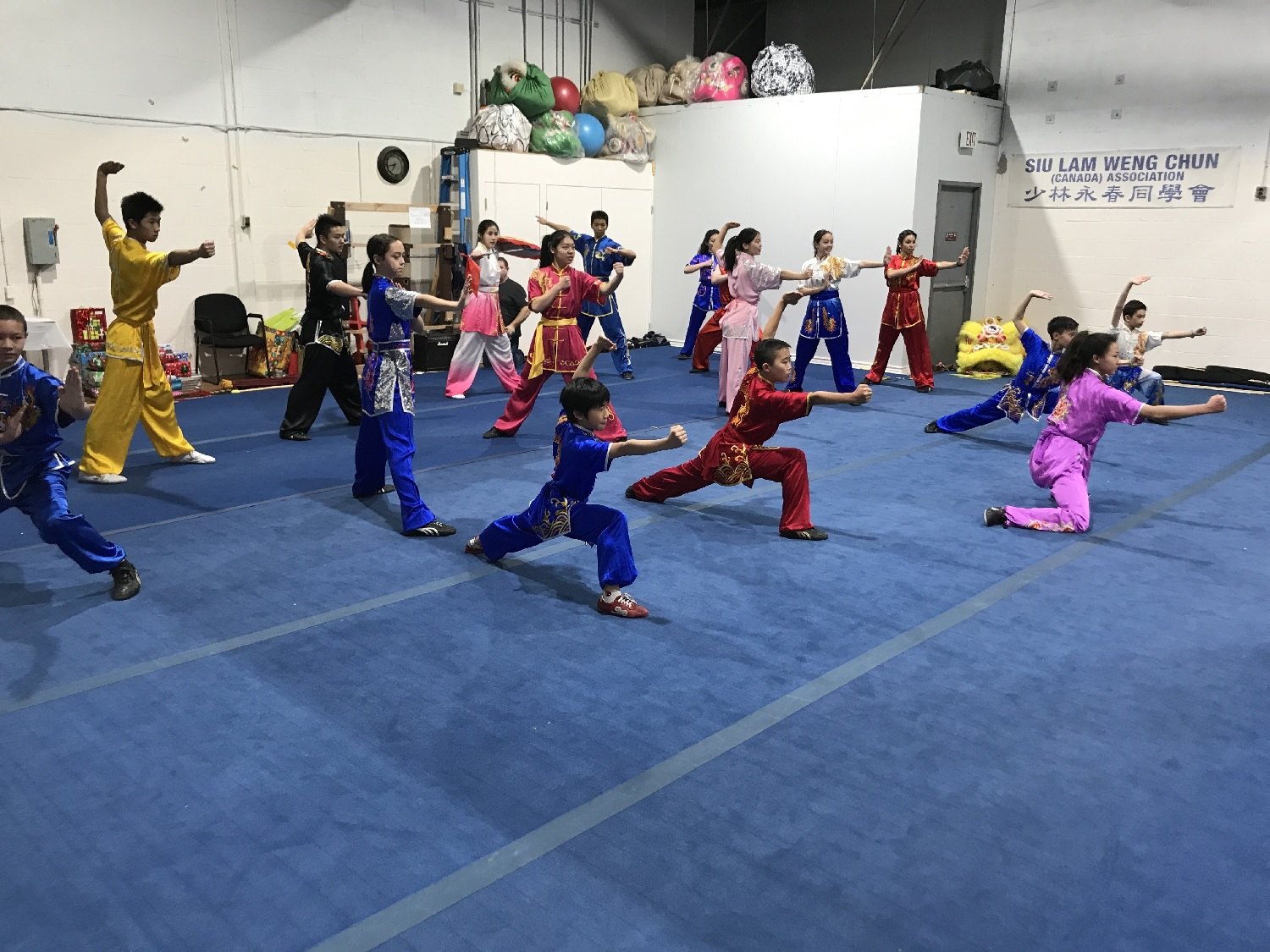 wayland-li-wushu-canada-ontario-toronto-classes-taolu-holiday-party-2017-09.jpg