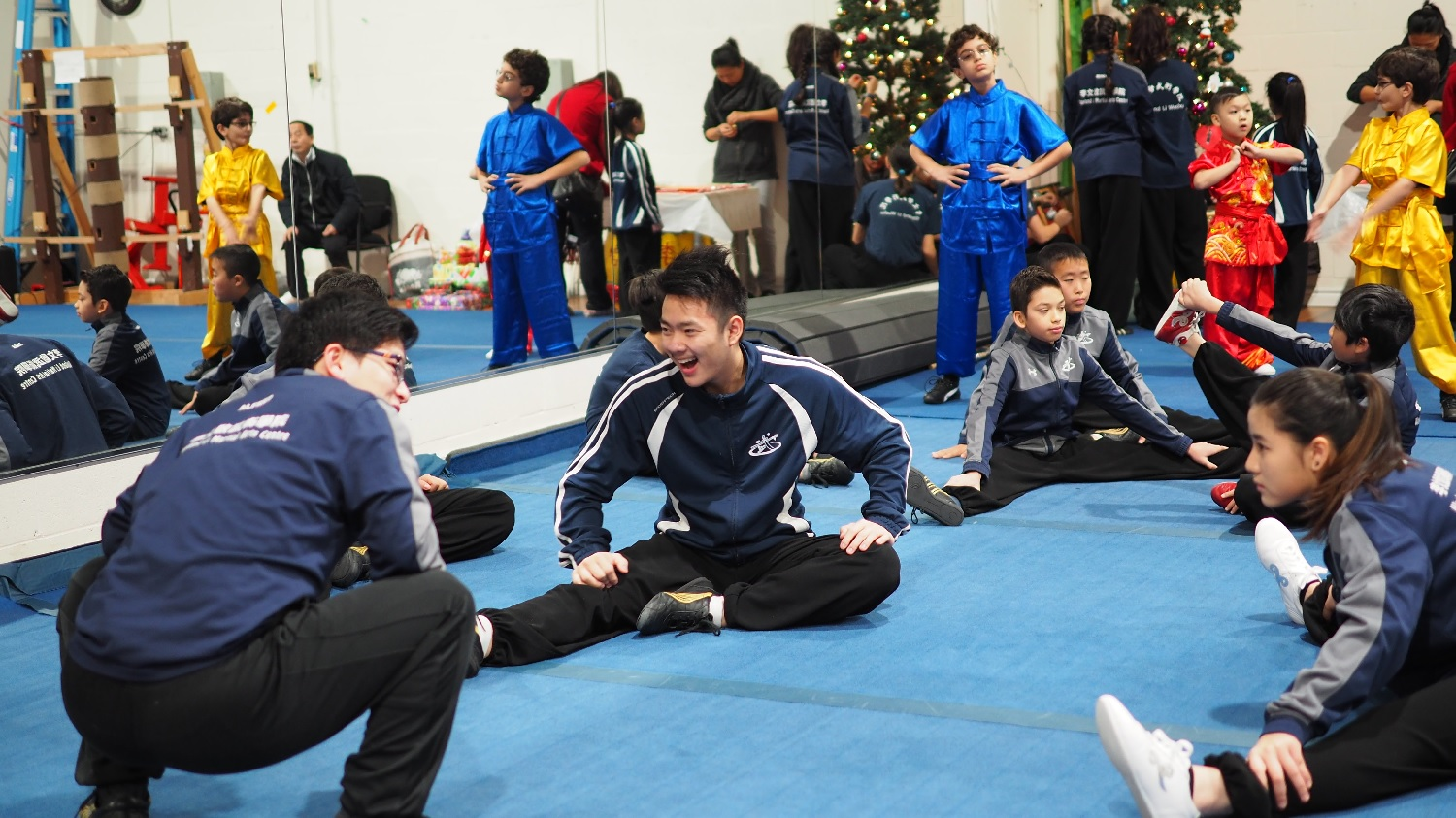 wayland-li-wushu-canada-ontario-toronto-classes-taolu-holiday-party-2017-13.jpg