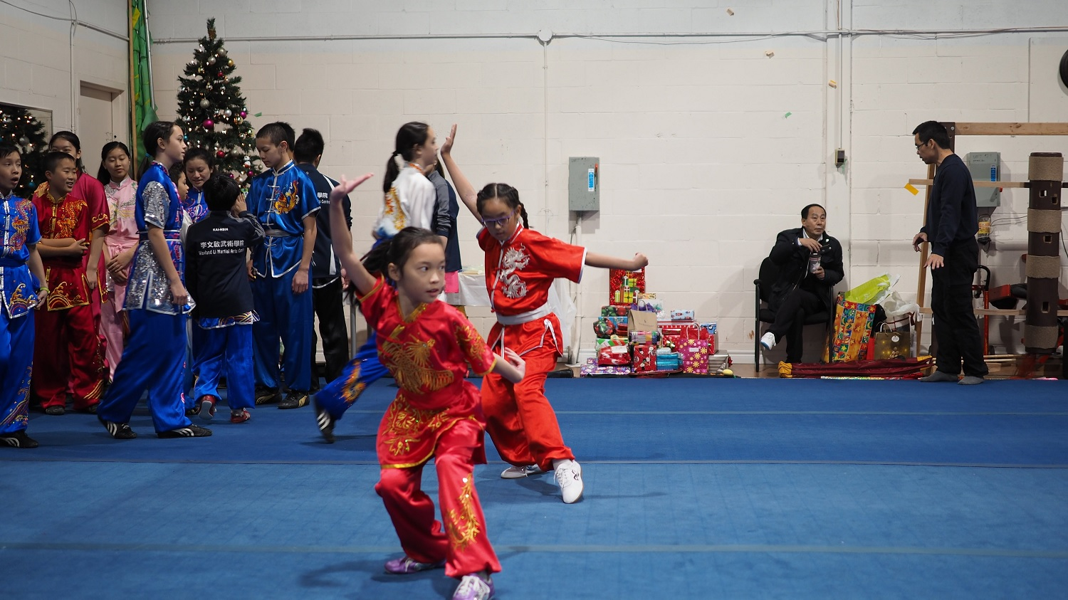 wayland-li-wushu-canada-ontario-toronto-classes-taolu-holiday-party-2017-24.jpg