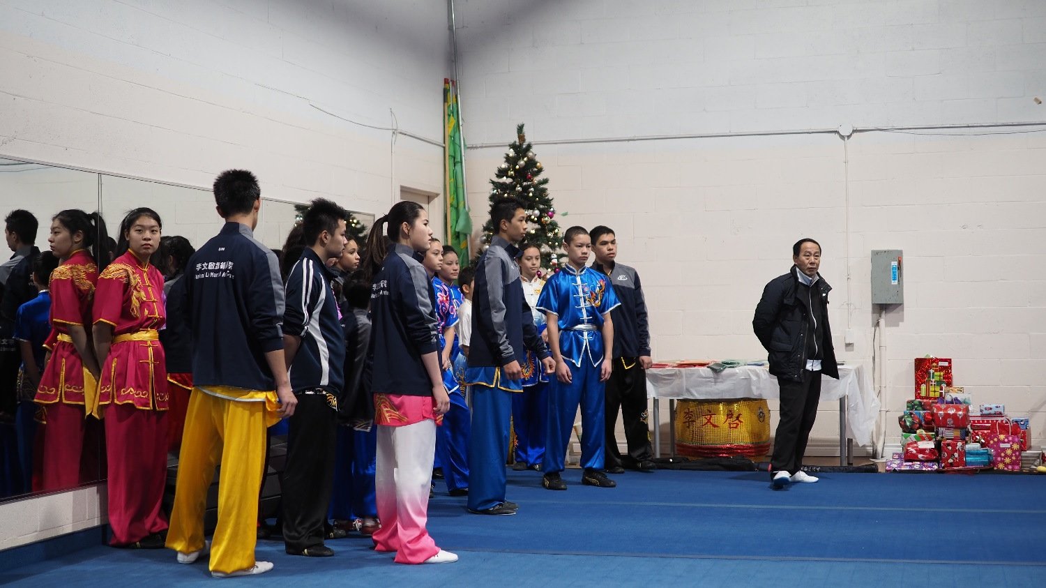 wayland-li-wushu-canada-ontario-toronto-classes-taolu-holiday-party-2017-26.jpg