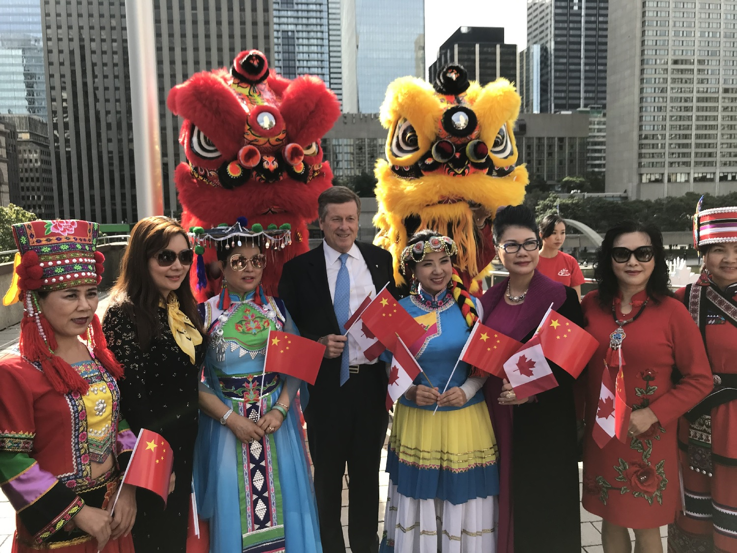 wayland-li-wushu-toronto-china-national-day-flag-raising-city-hall-2018-08.jpg