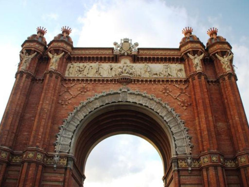 arc de triomf barcelona attraction