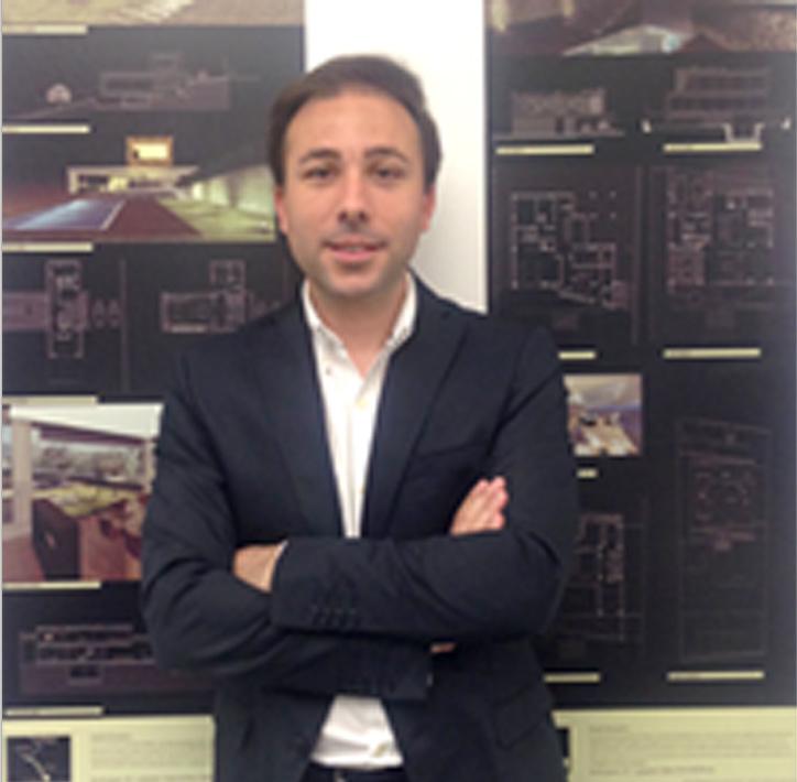 Juan Granados. Arquitecto.   Desarrollo de proyectos y direcciones de obra.  Diseño gráfico y 3D. Coordinador Seguridad y Salud. Arquitecto graduado por la E.T.S.A. de Sevilla en el año 2010. Master en Instalaciones.