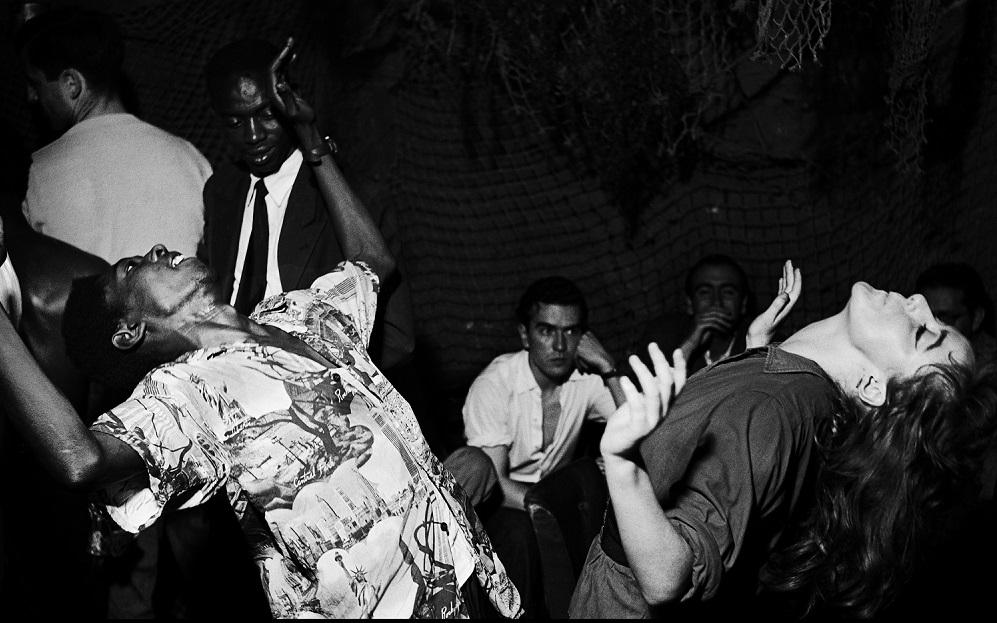 Vali Myers (Ann) danse à La Scala, Paris, 1950 © Ed van der Elsken / Collection Stedelijk Museum Amsterdam