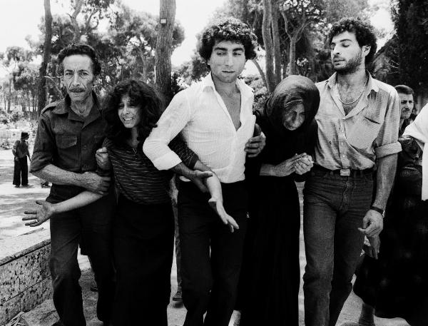 3 - Lebanese family leaving martyr's cemetery, Beirut, 1982.jpg