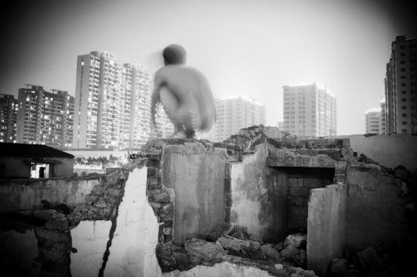 1. Liu Tao- A Weak Road n-¦58 - 2012.jpg