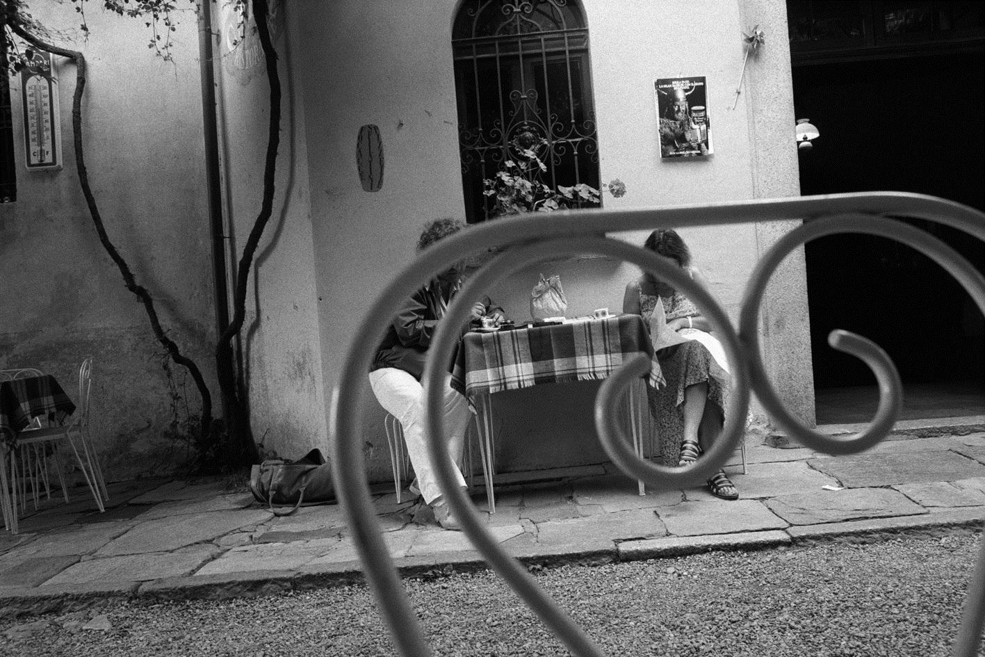 26 juillet 1984. Orta, Italie . © Denis Roche