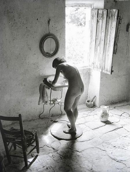 Willy Ronis, Le nu provençal, Gordes, 1949 copyright: Ministère de la Culture, médiathèque de l'Architecture et du Patrimoine, donation Willy Ronis