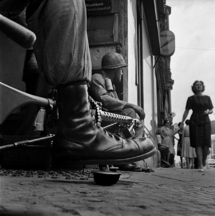 1 - Near Checkpoint Charlie, 1961.jpg