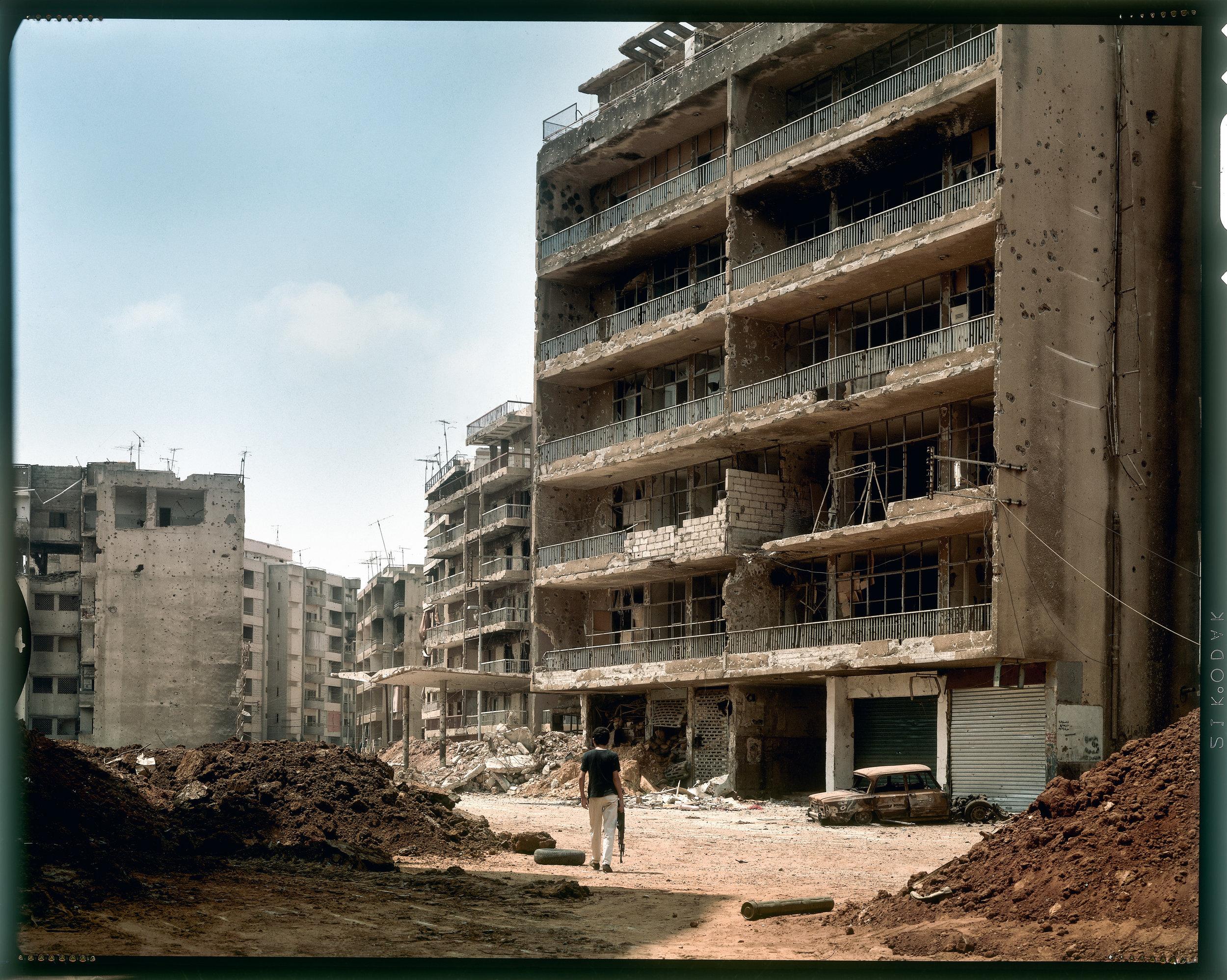 © Yan Morvan.  Rue de Syrie, secteur Bachoura