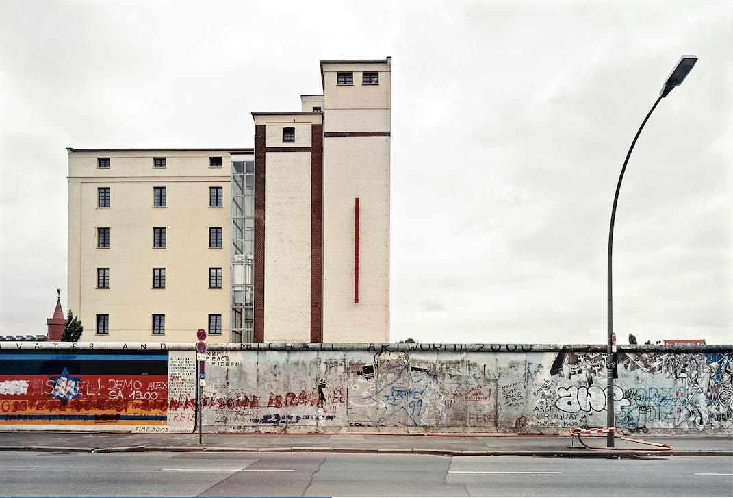 ©Patrick Tourneboeuf,  Berlin, Beyond de Wall #16,  2003