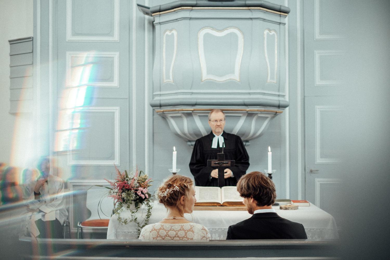 Zeremonie in der evangelischen Kirche Burbach