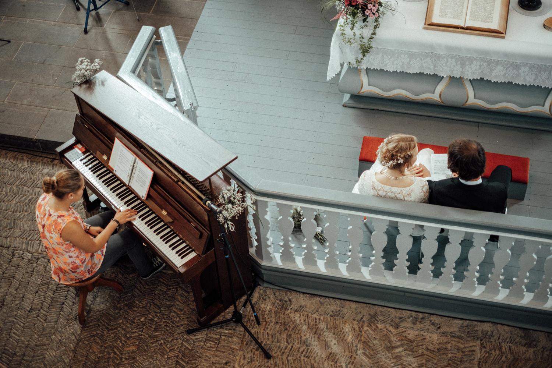 Musikalische Begleitung während ökumenischer Trauung