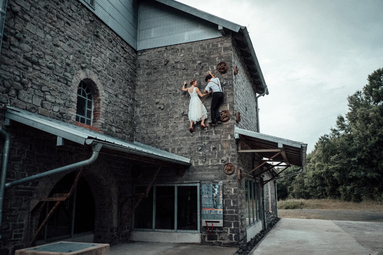 Hochzeitsfotograf-Stöffelpark-Enspel-Burbach-NRW-Kevin Biberbach-KEVIN Fotografie-Aachen-Natürliche-Hochzeitsreportage-137.jpg
