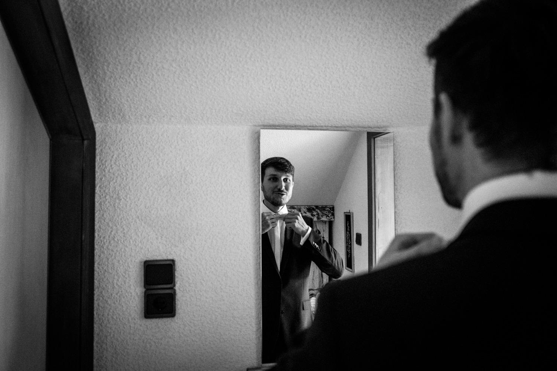 Zelthochzeit-Inspiration-Hochzeitsreportage-natürlich-Hessenhof-Coburg-Oberfranken-Aachen-Hochzeitsfotograf-Kevin Biberbach-KEVIN Fotografie-Junebug-Hochzeitswahn-009.jpg
