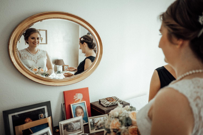 Zelthochzeit-Inspiration-Hochzeitsreportage-natürlich-Hessenhof-Coburg-Oberfranken-Aachen-Hochzeitsfotograf-Kevin Biberbach-KEVIN Fotografie-Junebug-Hochzeitswahn-032.jpg