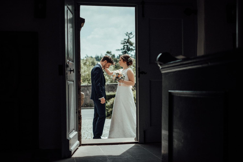 Zelthochzeit-Inspiration-Hochzeitsreportage-natürlich-Hessenhof-Coburg-Oberfranken-Aachen-Hochzeitsfotograf-Kevin Biberbach-KEVIN Fotografie-Junebug-Hochzeitswahn-045.jpg