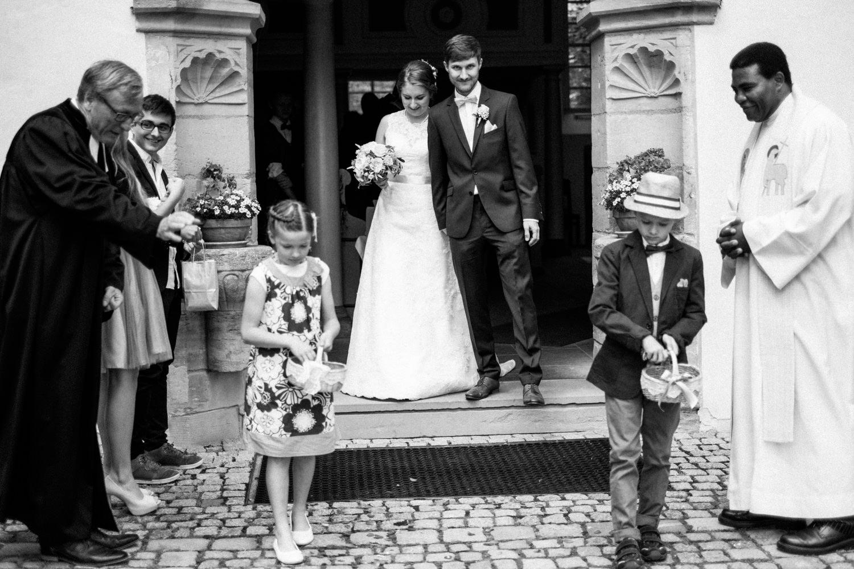 Zelthochzeit-Inspiration-Hochzeitsreportage-natürlich-Hessenhof-Coburg-Oberfranken-Aachen-Hochzeitsfotograf-Kevin Biberbach-KEVIN Fotografie-Junebug-Hochzeitswahn-061.jpg