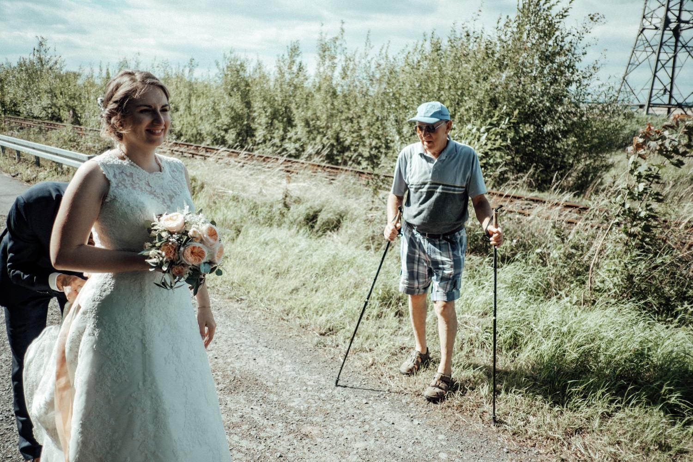 Zelthochzeit-Inspiration-Hochzeitsreportage-natürlich-Hessenhof-Coburg-Oberfranken-Aachen-Hochzeitsfotograf-Kevin Biberbach-KEVIN Fotografie-Junebug-Hochzeitswahn-106.jpg